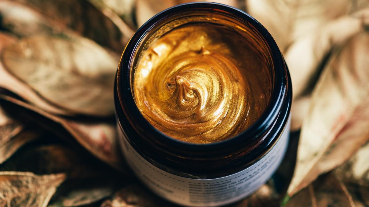 Nem bombası altın maske cildi pırıl pırıl yapıyor