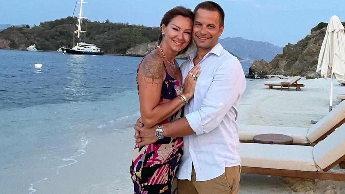 Pınar Altuğ'un eşi Yağmur Atacan'la tekne pozuna kayınvalidesinden yorum geldi