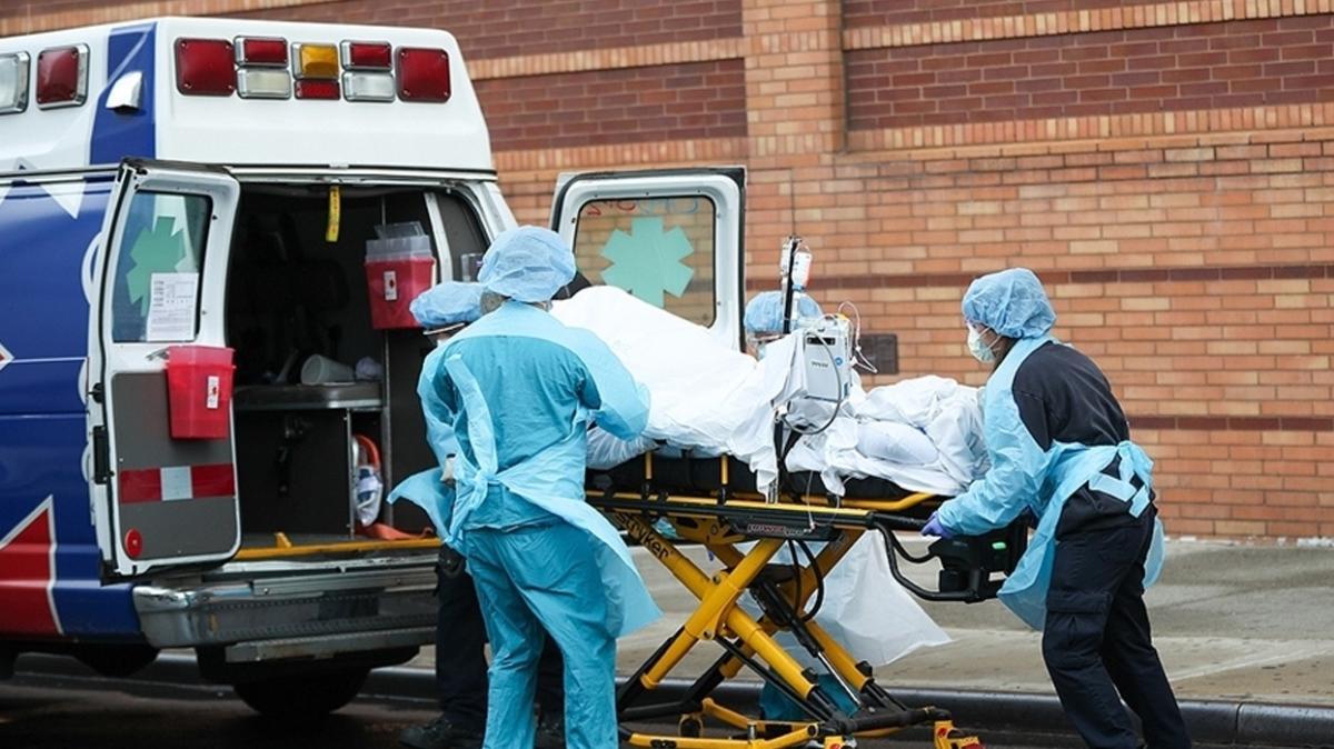 ABD'de koronavirüs salgınında son 24 saatte 3 binden fazla can kaybı