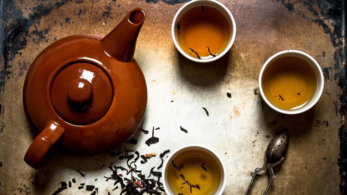 Kadın hastalıklarına birebir 5 bitki çayı