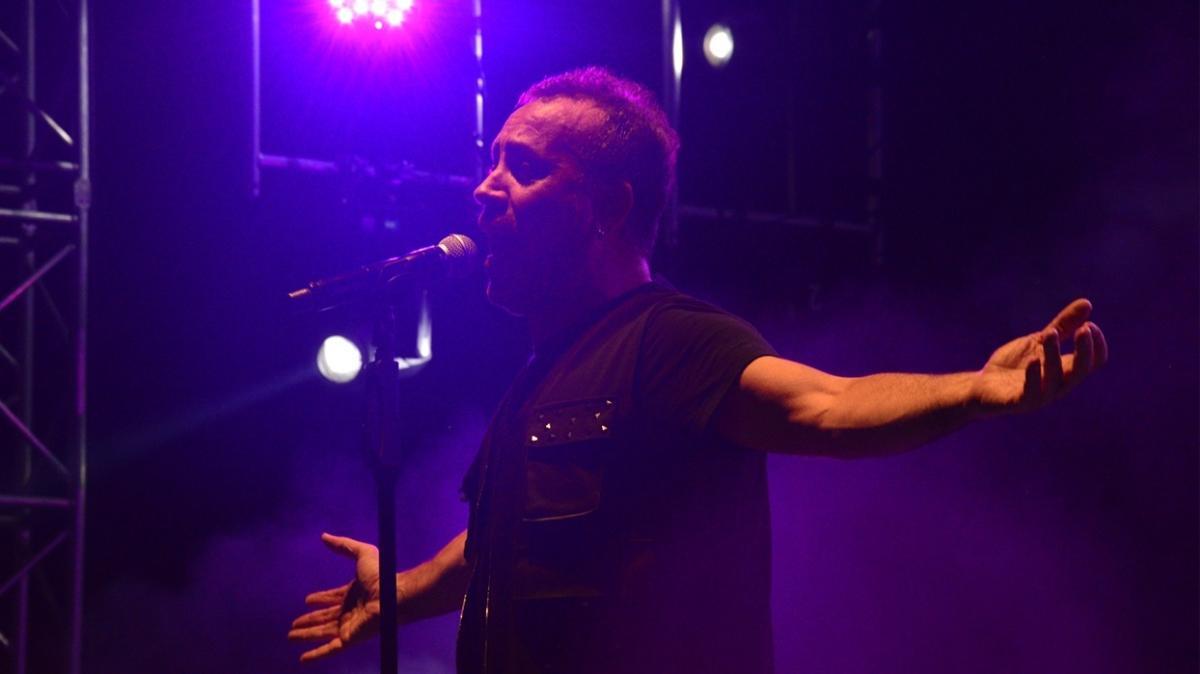 Haluk Levent, Uluslararası Bursa Festivali'nde sahne aldı