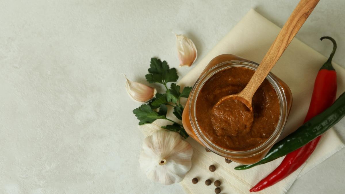 6 adımda tadına doyum olmaz patlıcan konservesi tarifi