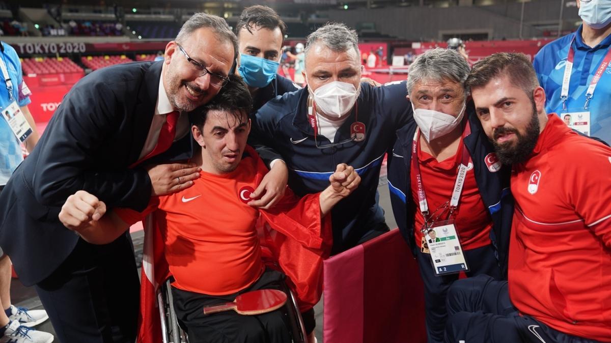 Abdullah Öztürk altın madalya kazandı
