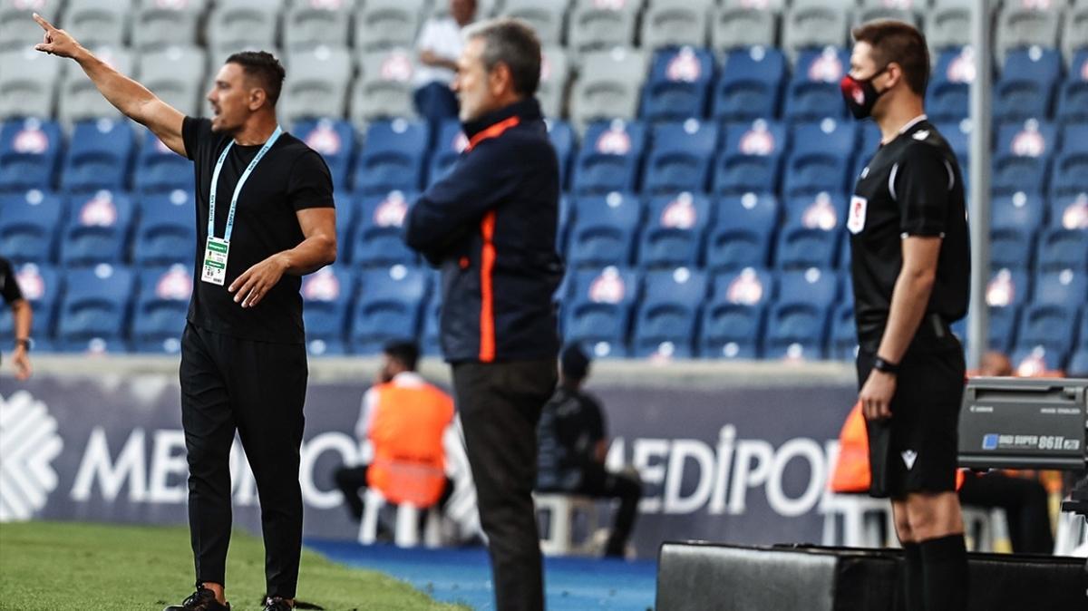 Süper Lig'de bir teknik direktörün daha bileti kesildi! Aytemiz Alanyaspor'da Çağdaş Atan dönemi sona erdi