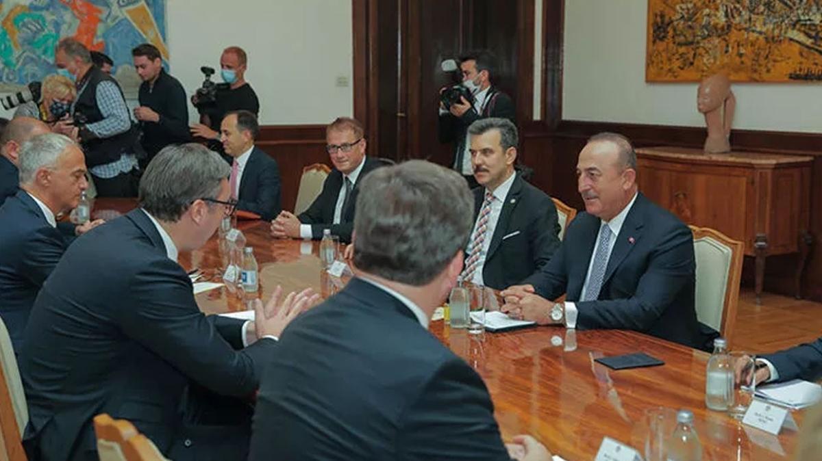 Bakan Çavuşoğlu, Sırbistan Cumhurbaşkanı Aleksandar Vucic ile görüştü