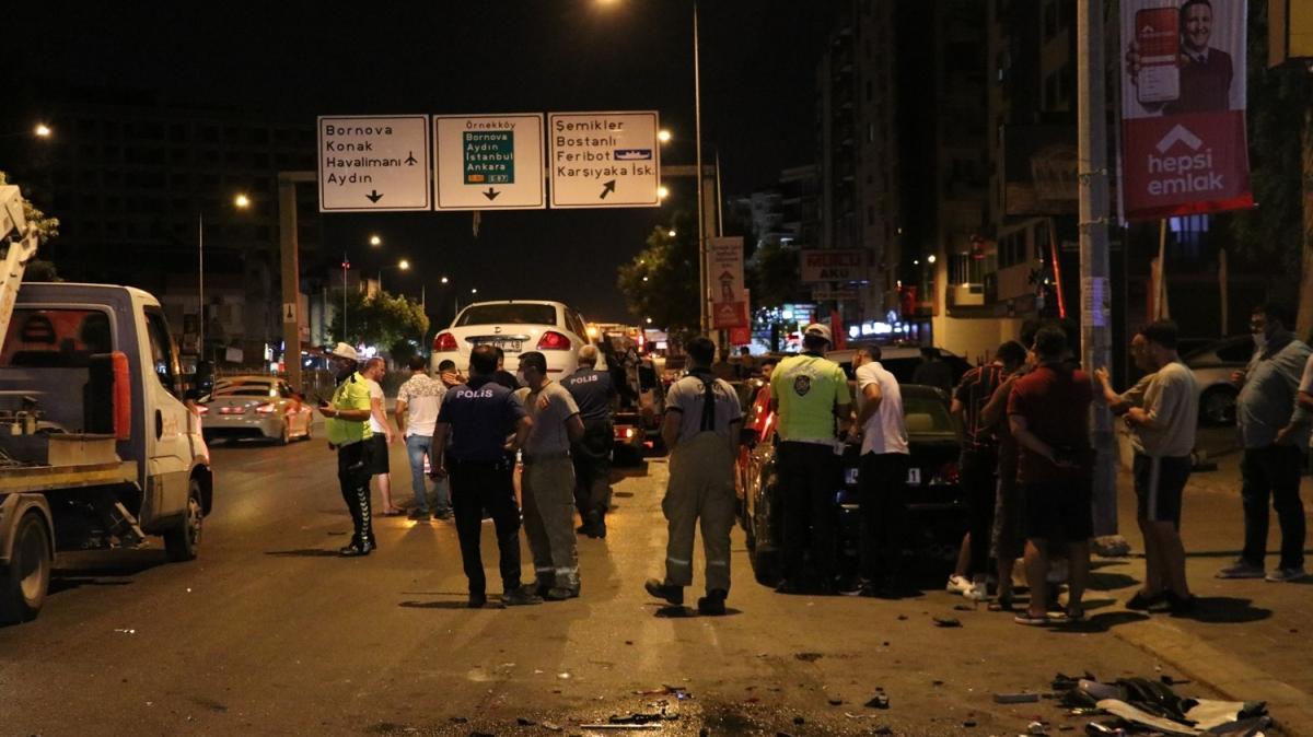 İzmir'de feci kaza: 5 yaralı