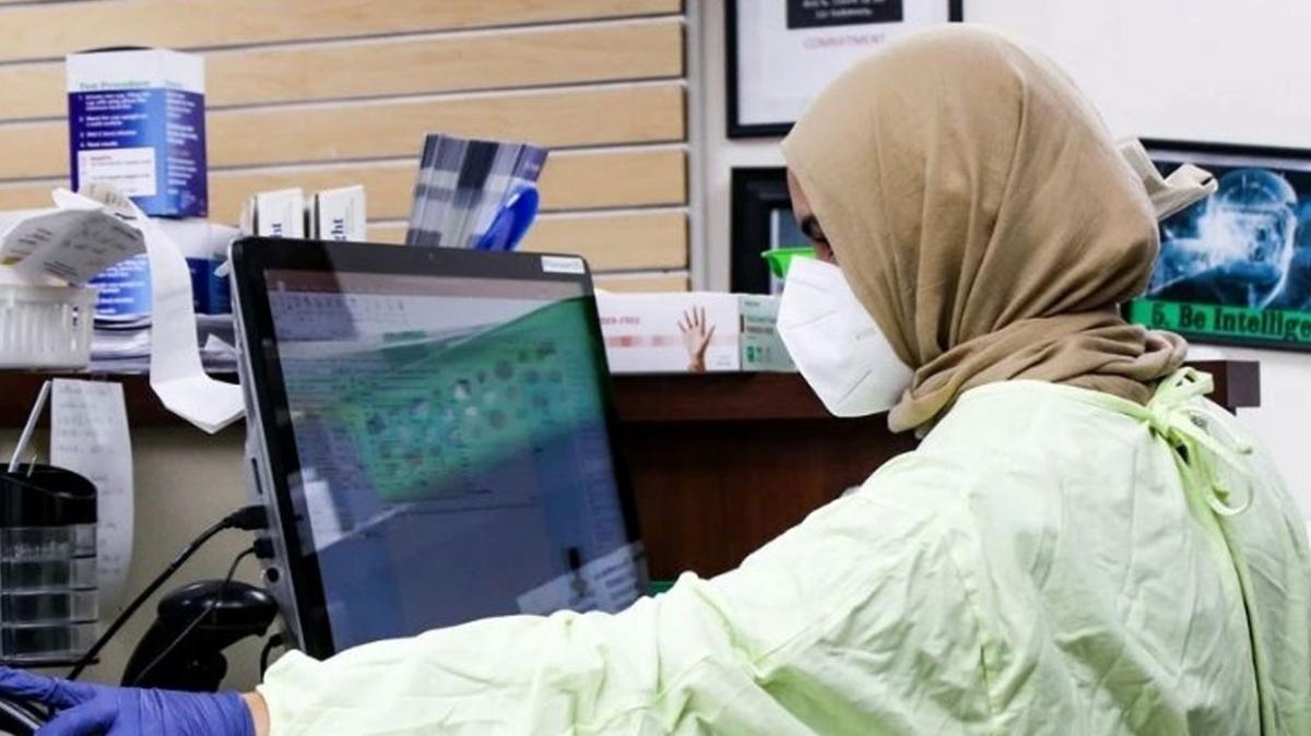 Singapur'da başörtüsü kararı... Sağlık çalışanları takabilecek, güvenlik mensupları için yasak