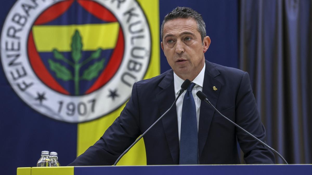 Son dakika Fenerbahçe transfer haberleri... Ali Koç'tan transfer hakkında flaş açıklamalar! Halil Dervişoğlu gerçeği...