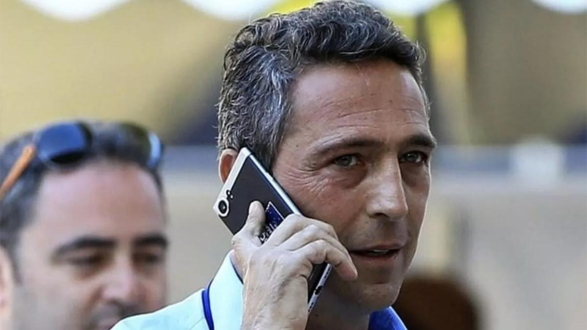 Son dakika Fenerbahçe transfer haberleri... Samatta'yı gönderen Fenerbahçe'de golcü bilmecesi! Ali Koç açıkladı...