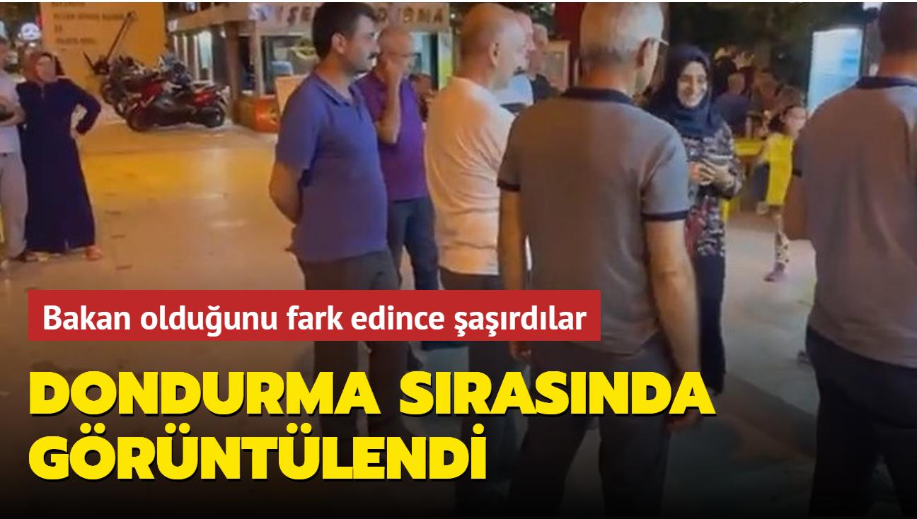 Ulaştırma ve Altyapı Bakanı Karaismailoğlu, Sinop'ta bir dondurmacıda görüntülendi