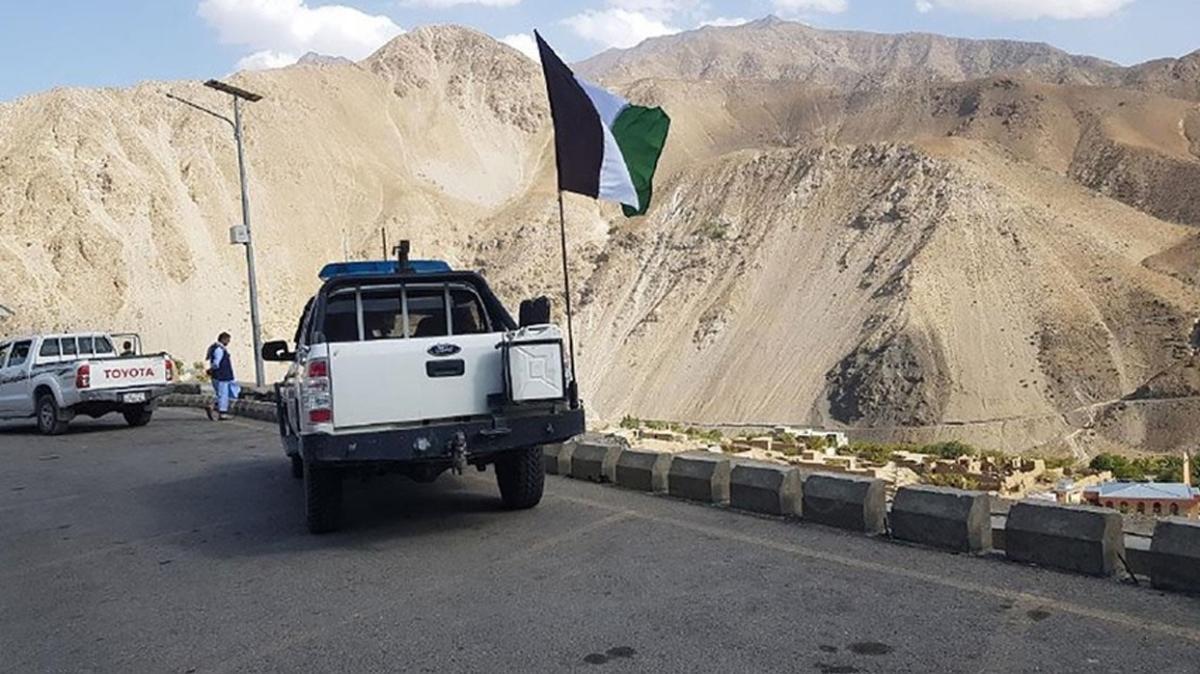 Pencşir vilayetini kontrol eden grupların sözcüsüydü... Fehim Deşti Taliban tarafından öldürüldü