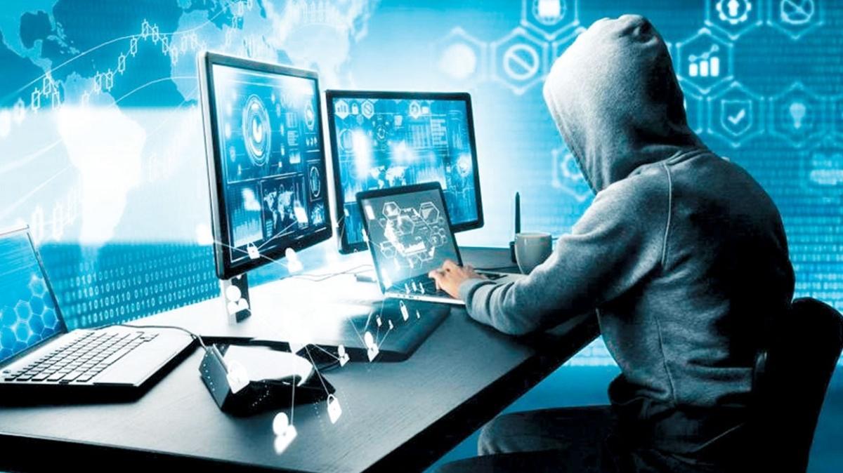 Berlin'den Rusya'ya siber saldırı uyarısı