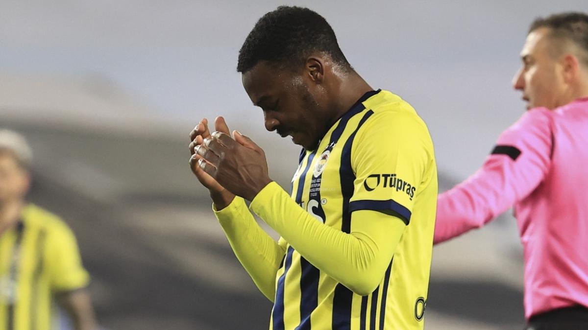 Bright Osayi-Samuel: Vitor Pereira bana maç maç üstüne koymam gerektiğini söylüyor