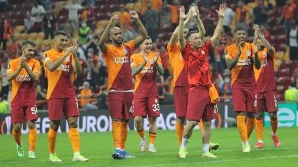 Galatasaray maaşları kurtardı!