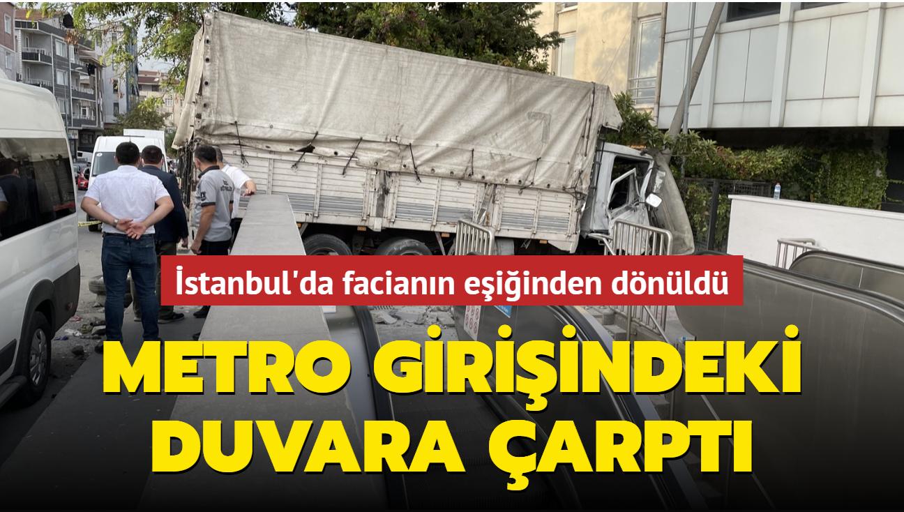 İstanbul'da facianın eşiğinden dönüldü... Metro girişindeki duvara çarptı