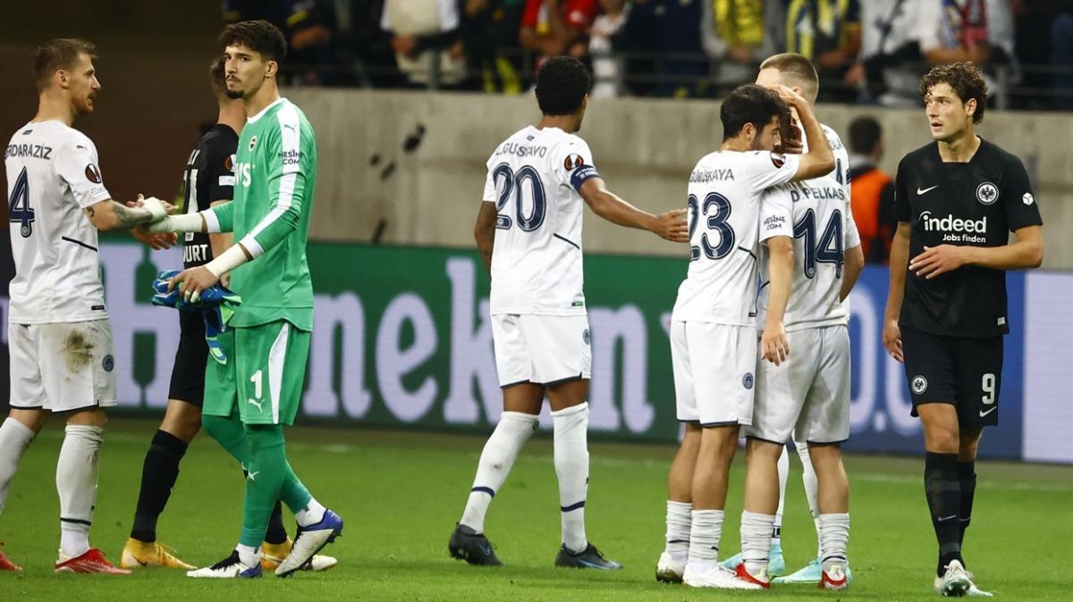 Fenerbahçeli futbolcuların bu hareketi alkış topladı