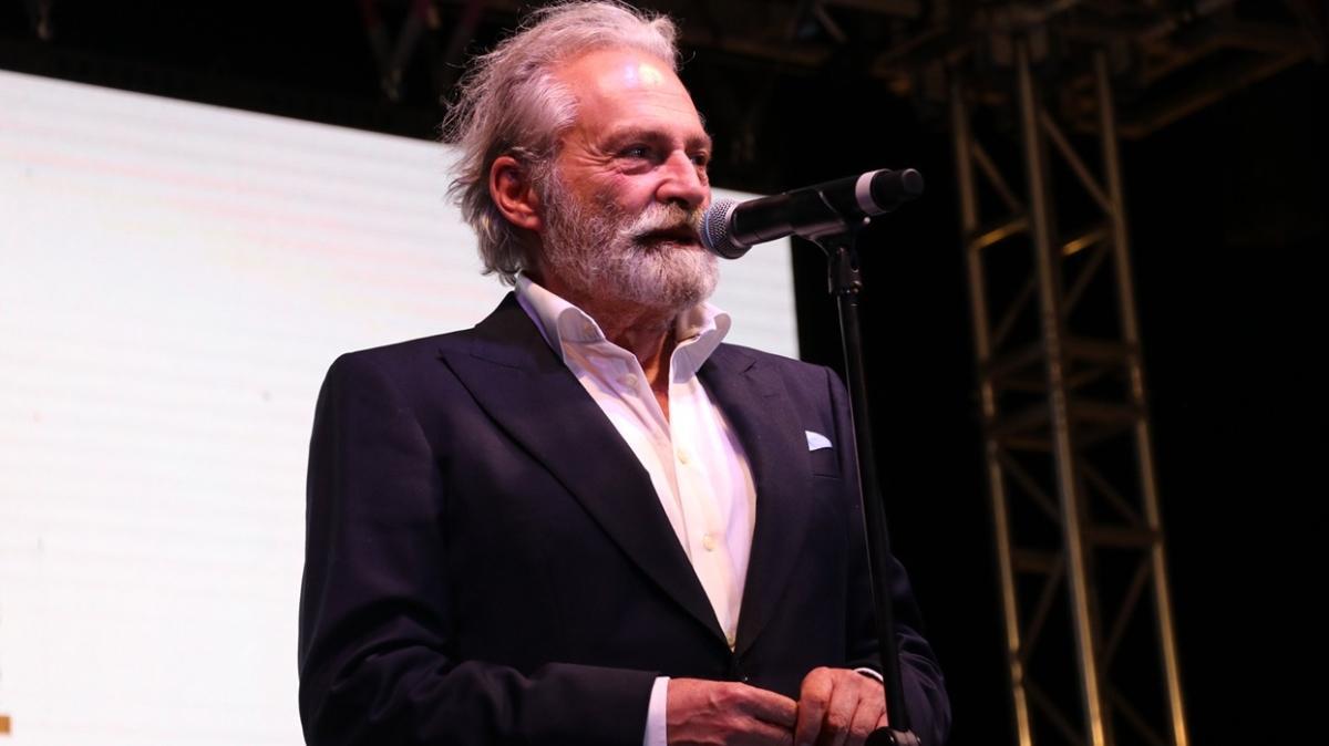 Haluk Bilginer, Adana Altın Koza Film Festivali'nde 'Yaşam Boyu Onur Ödülü'nü aldı