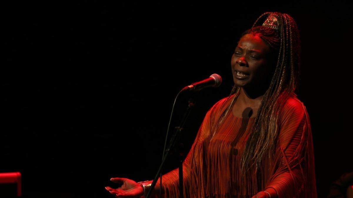 İspanyol şarkıcı Buika Türkiye'de konser verdi