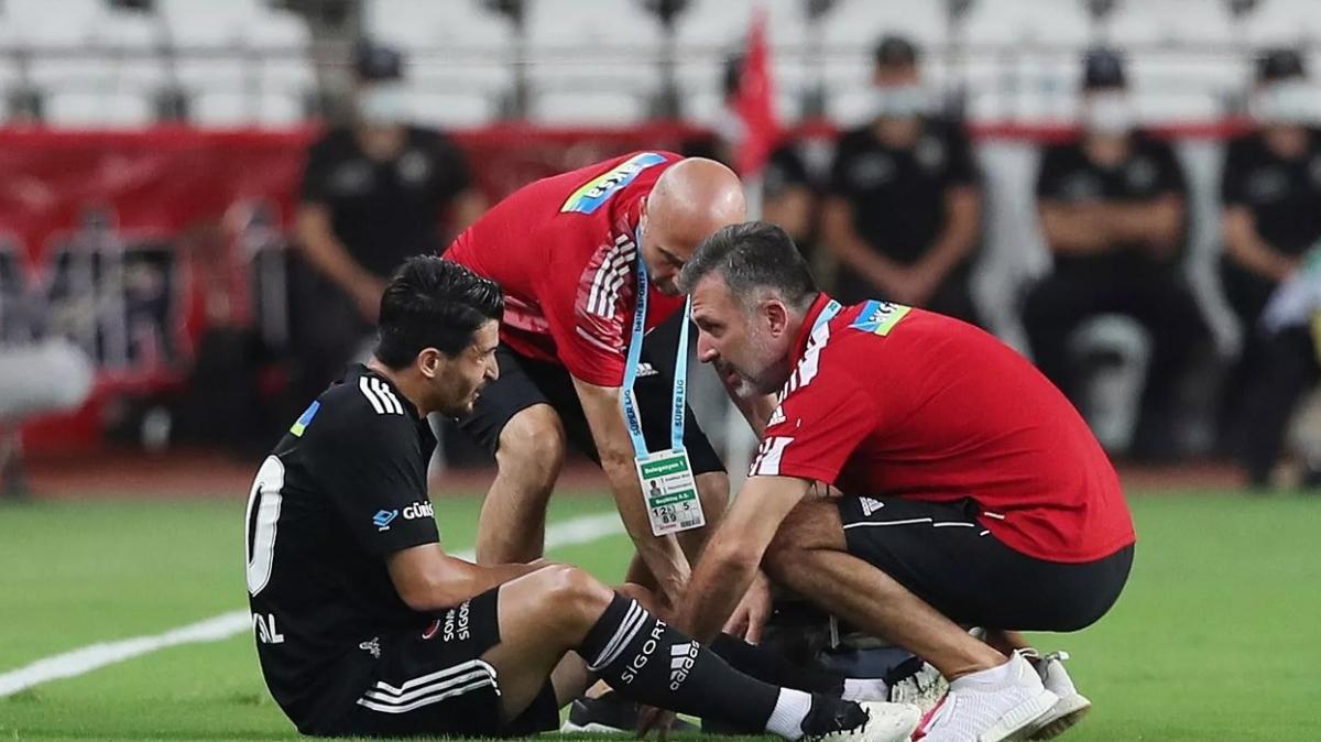 Beşiktaş'ta sakatlıkların sebebi maç trafiği ve bozuk zemin