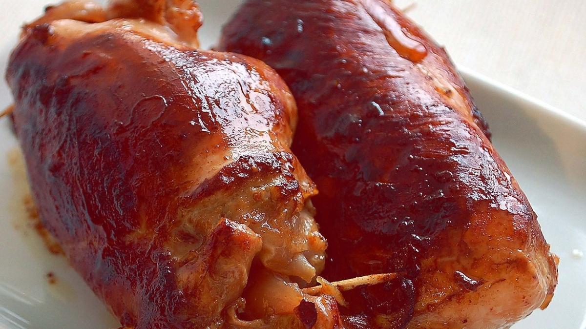 Tavuklu yemek sevenlere nefis öneri: Tavuk sarma tarifi