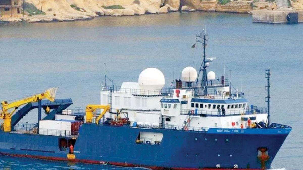 Provokasyona karşı eşsiz meydan okuma! NAVTEX'e uymayan Yunan gemisi engellendi