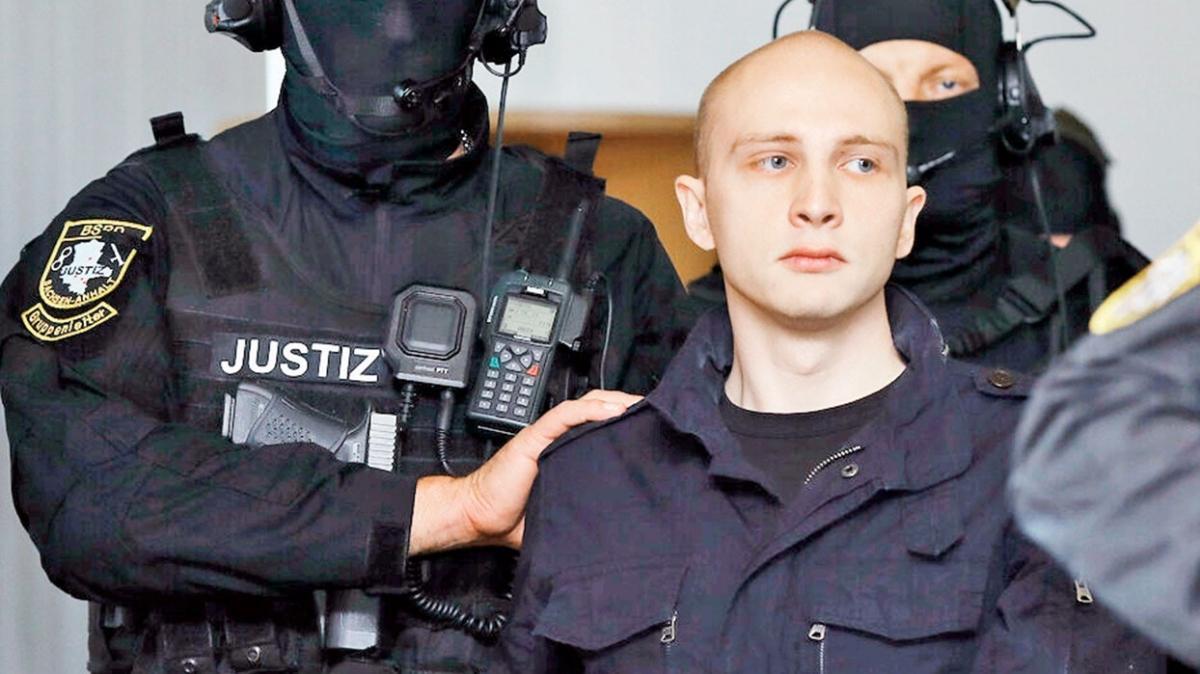 Almanya'da skandal! Kadın polisten teröriste onlarca aşk mektubu