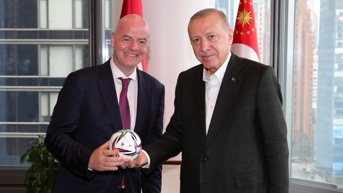 Başkan Recep Tayyip Erdoğan FIFA Başkanı'nı kabul etti