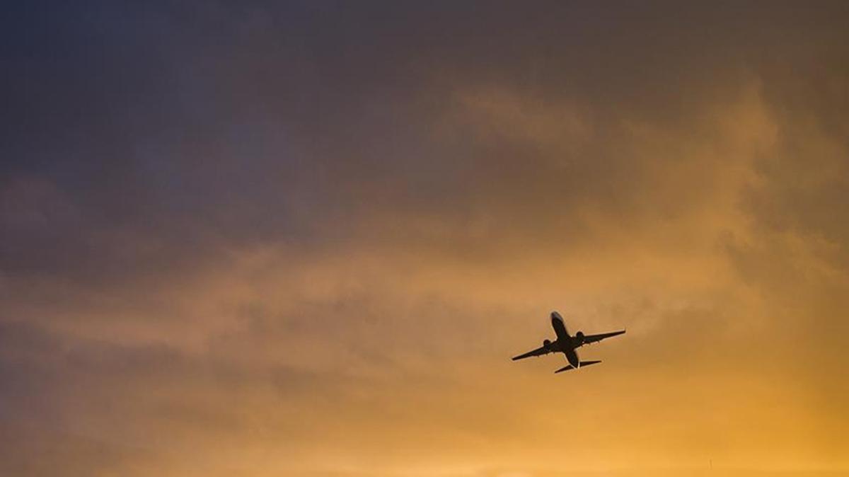 Son dakika haberi: 6 kişinin bulunduğu Rus uçağı radarda kayboldu