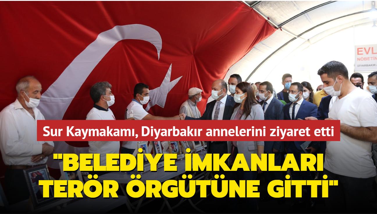 Sur Kaymakamı, Diyarbakır annelerini ziyaret etti: Belediye imkanlarının terör örgütüne gittiğini gördüm