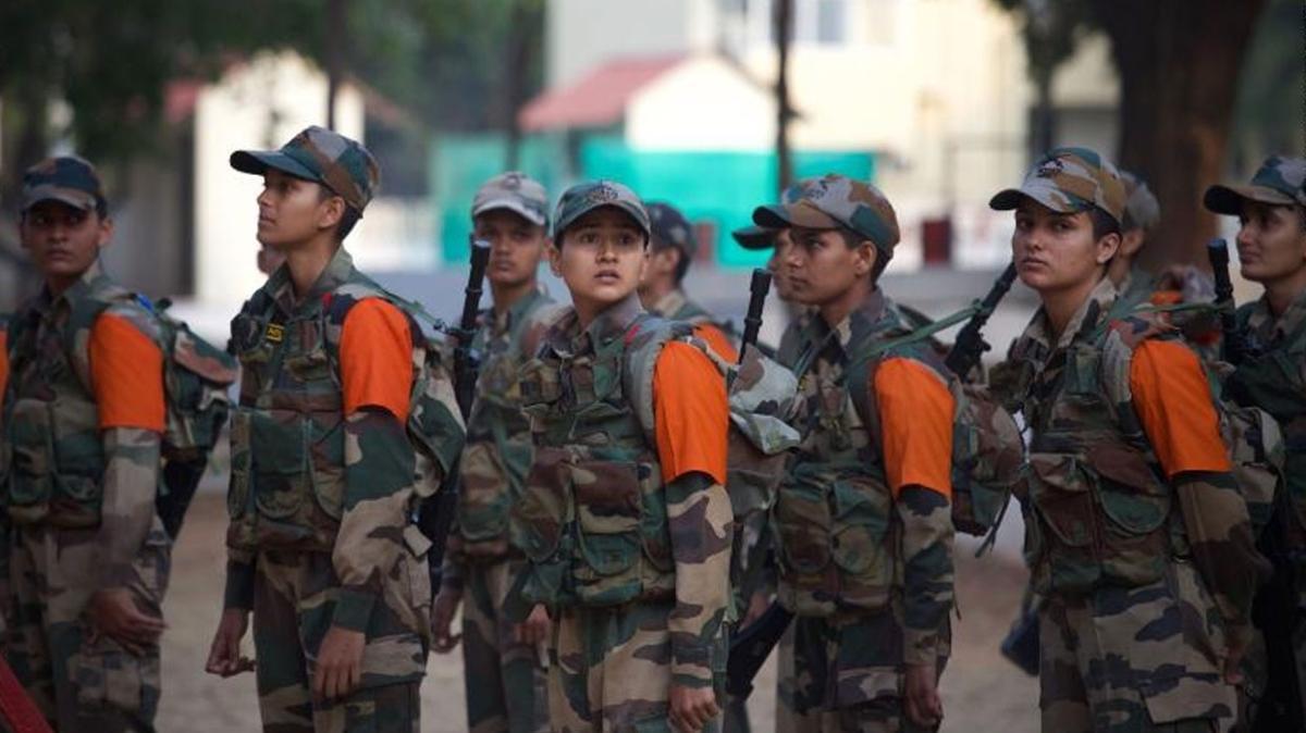 Hindistan ordusunda kadınlar  için yüksek rütbelerin yolu açıldı