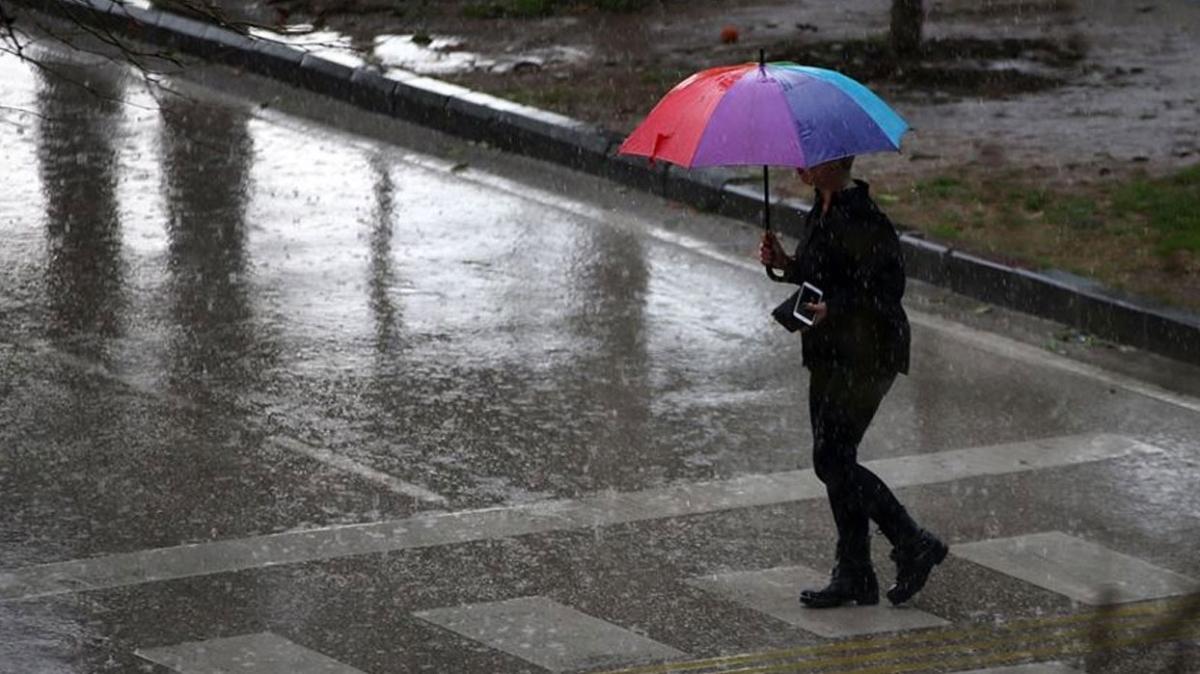 İstanbul'da yağmur yağışı etkisini artırıyor