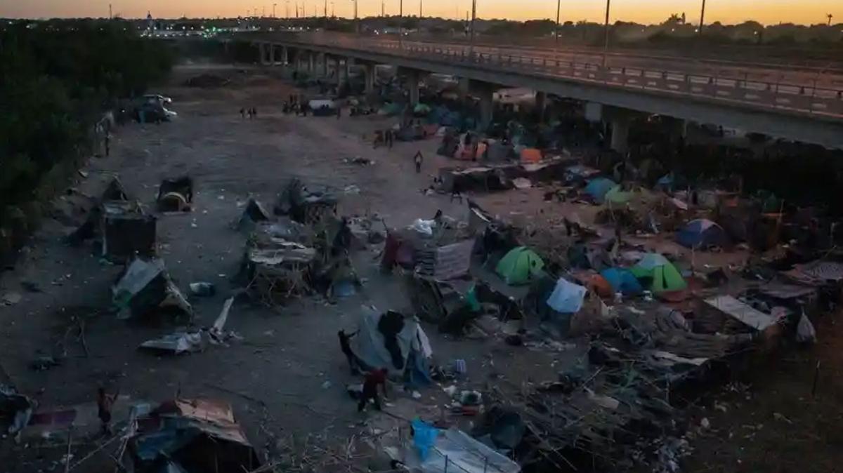 ABD'deki köprü altında Haitili göçmen kalmadı