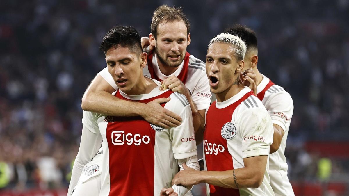 Ajax önüne geleni deviriyor