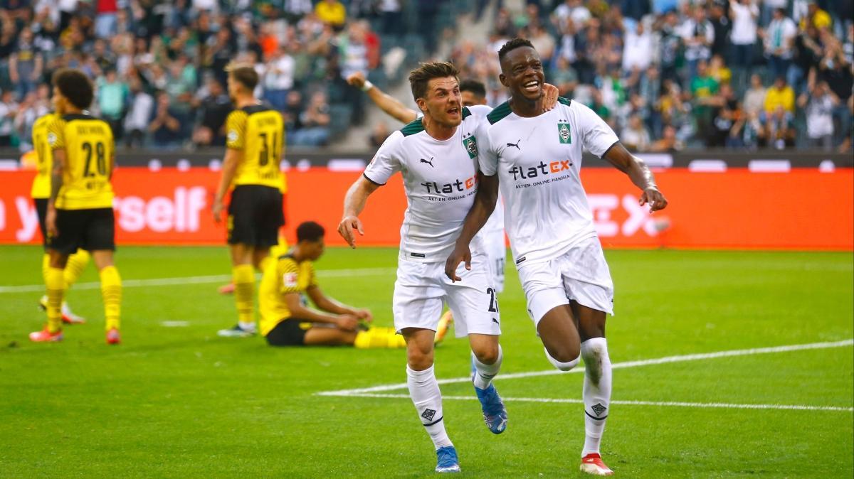 Beşiktaş'ın rakibi Borussia Dortmund, Borussia Mönchengladbach'a kaybetti
