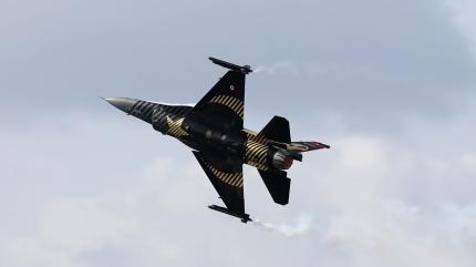 SOLOTÜRK'ten Malta'da gösteri uçuşu