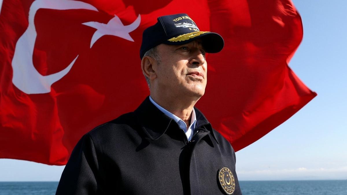 Bakan Akar'dan Preveze Deniz Zaferi yıl dönümü mesajı