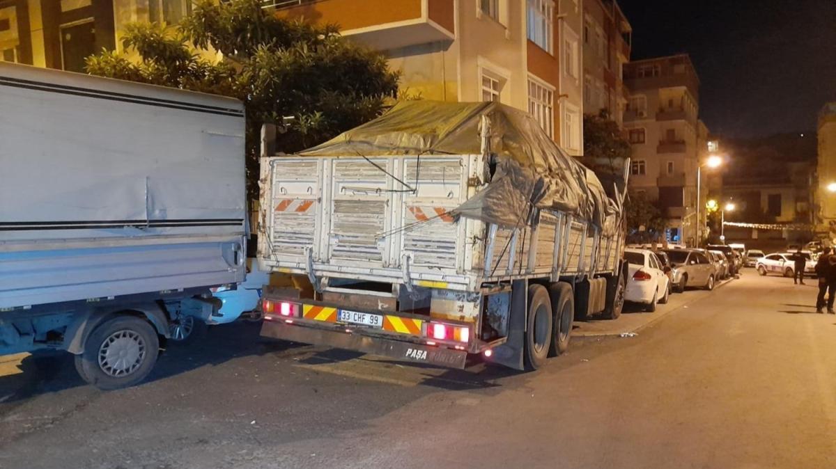 Freni boşalan kamyon 8 araca çarptı