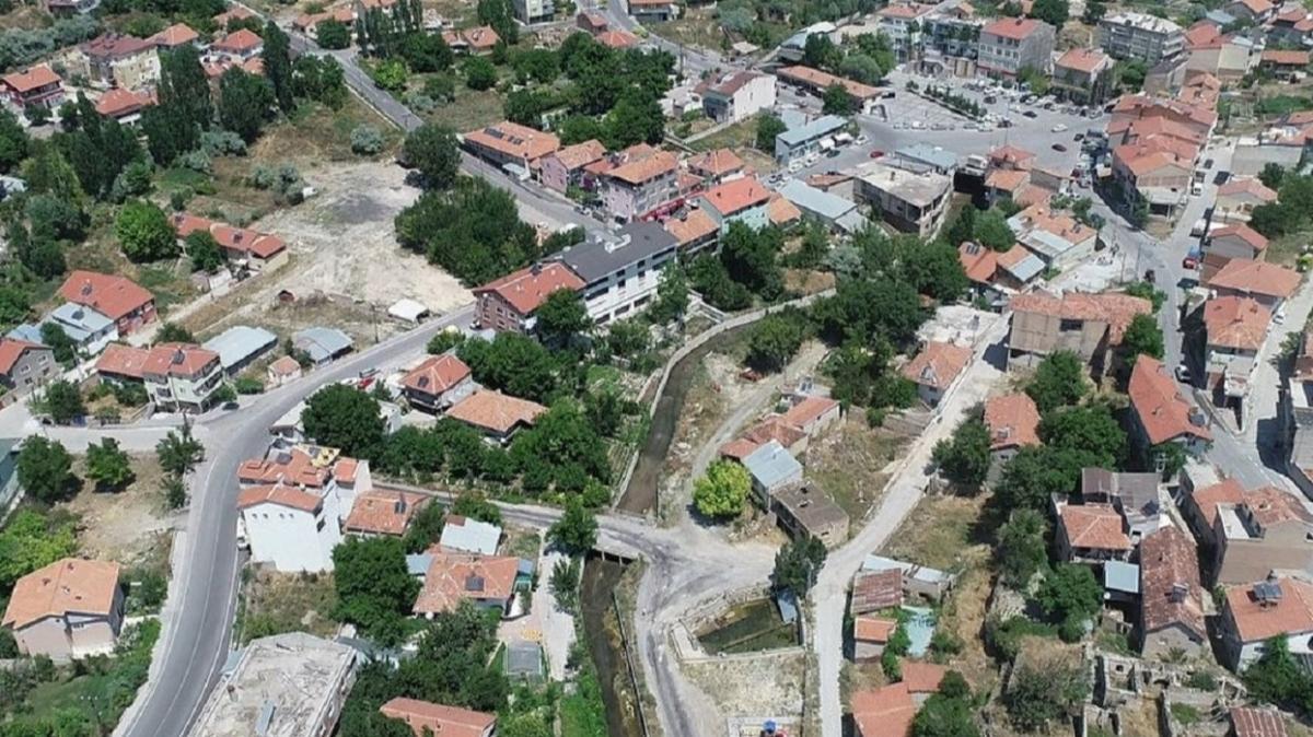 Kayseri Özvatan'da 50 m2 avlulu kargir ev mahkemeden satışa çıkarıldı!