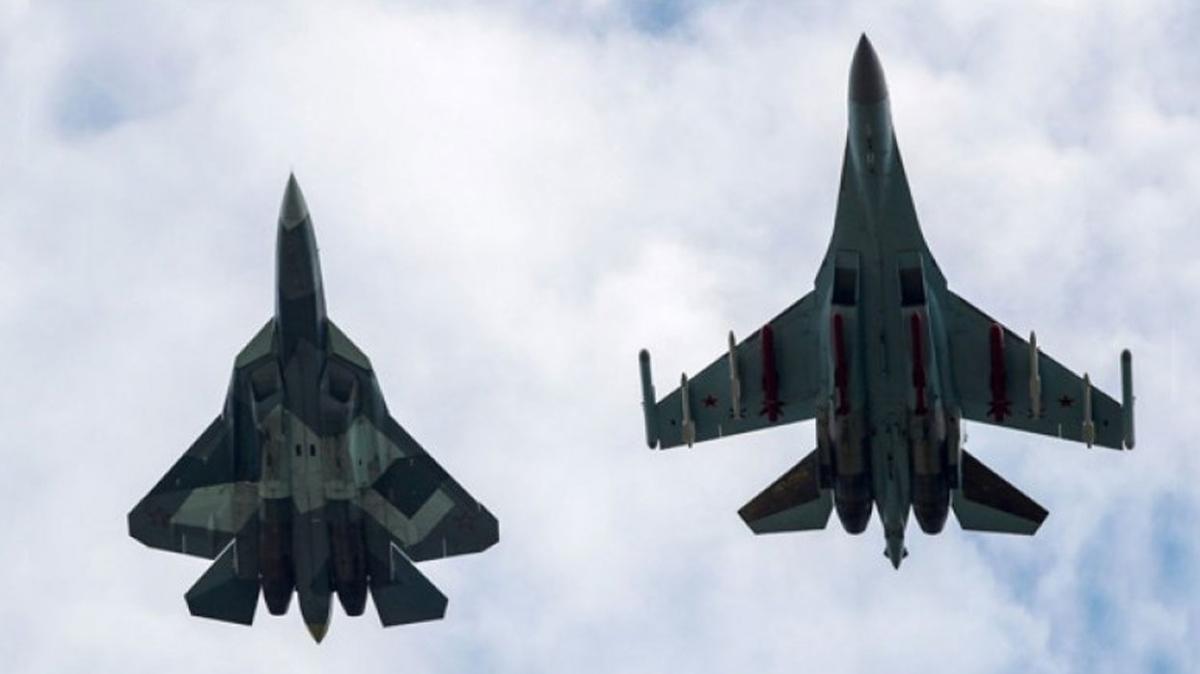 Rusya-ABD arasında korkutan gerilim... 1 Amerikan savaş uçağına karşı 3 Rus savaş uçağı havalandı