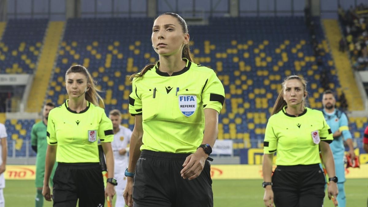 UEFA'dan Türk kadın hakem Gamze Durmuş'a görev