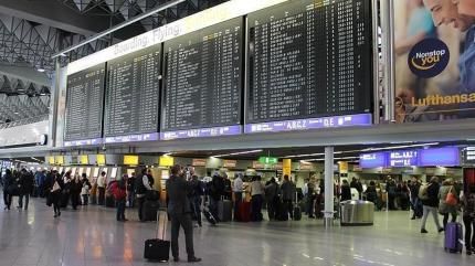 Alman Havalimanlarında 1,5 milyar avroluk zarar