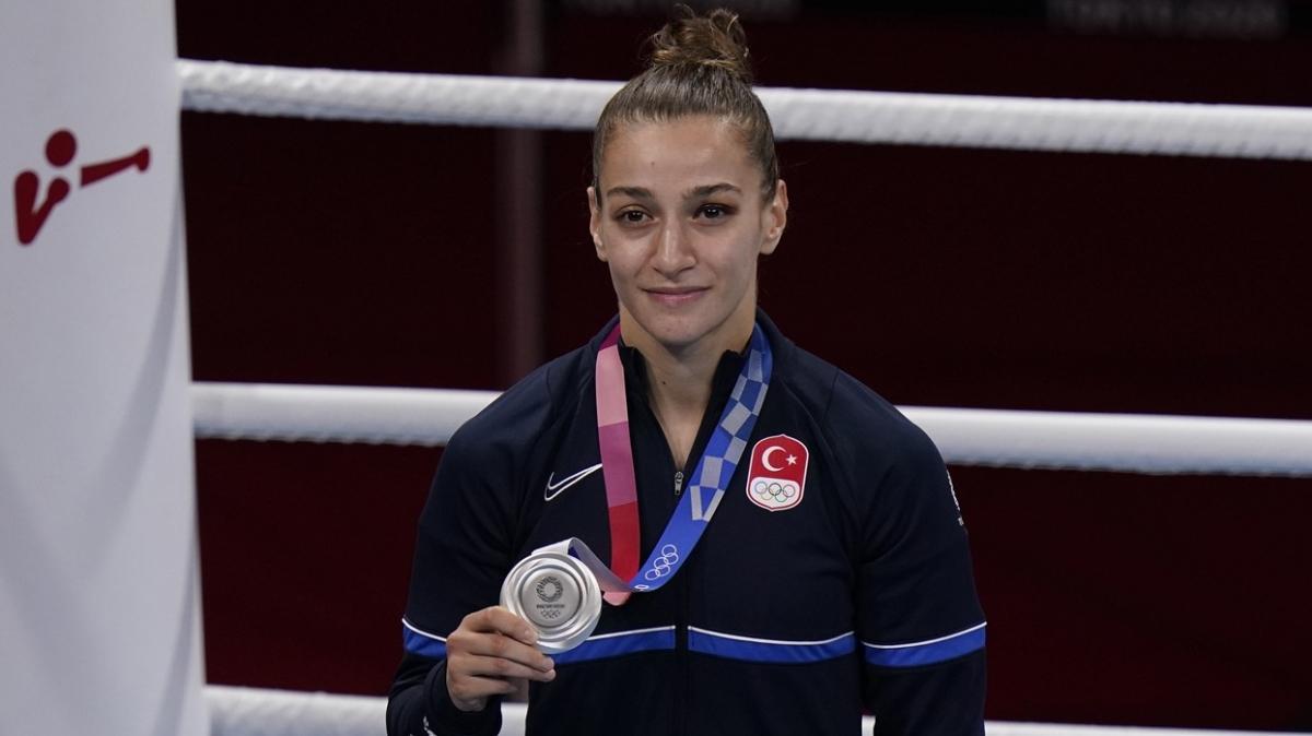 Buse Naz Çakıroğlu'nun hedefi önce dünya şampiyonluğu sonra olimpiyat altını