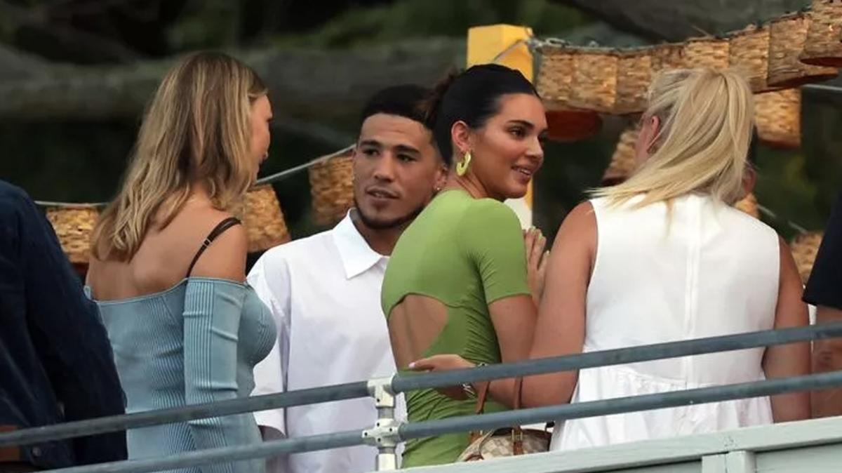 Kendall Jenner'ın sevgilisi Devin Booker koronavirüse yakalandı