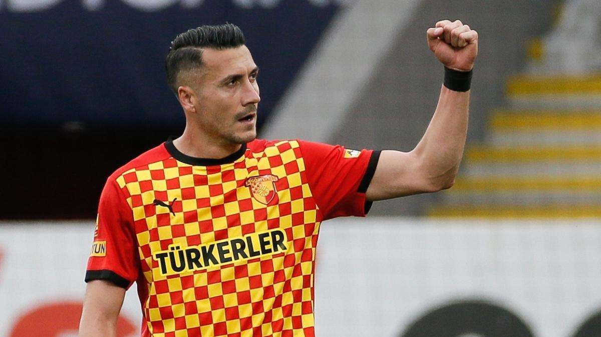 Göztepe'nin golcüsü Adis Jahovic'e milli takıma davet edildi