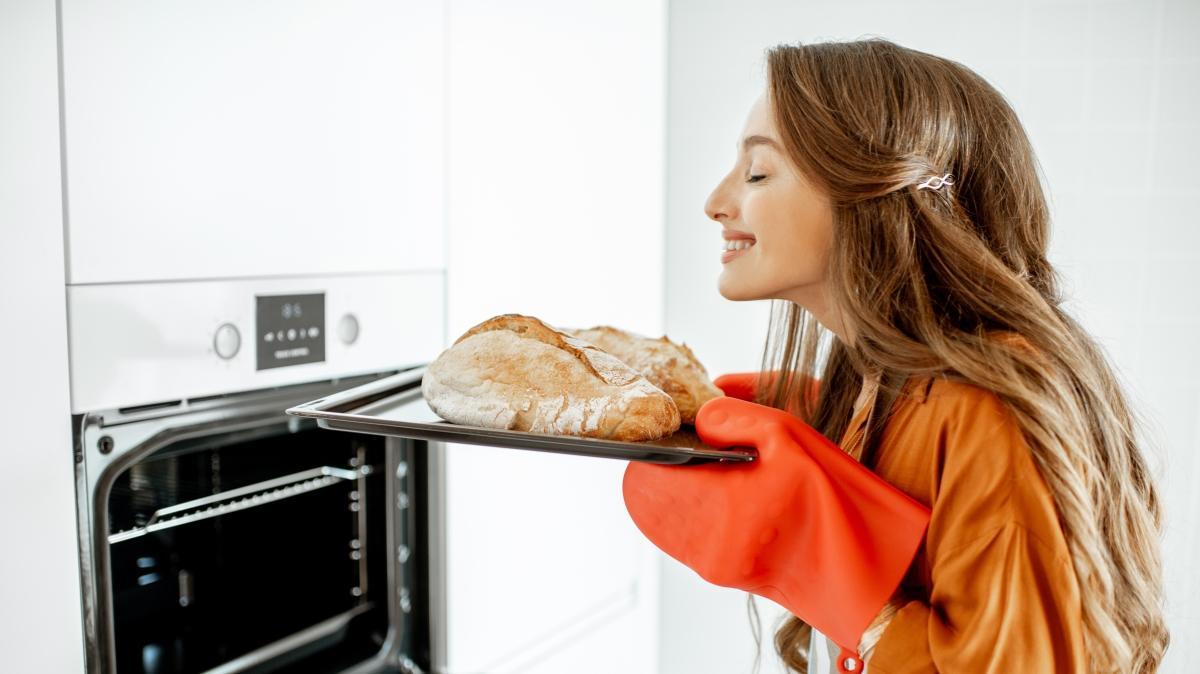 """Kokusuyla iştah açan sıcacık ev ekmeği nasıl yapılır"""""""