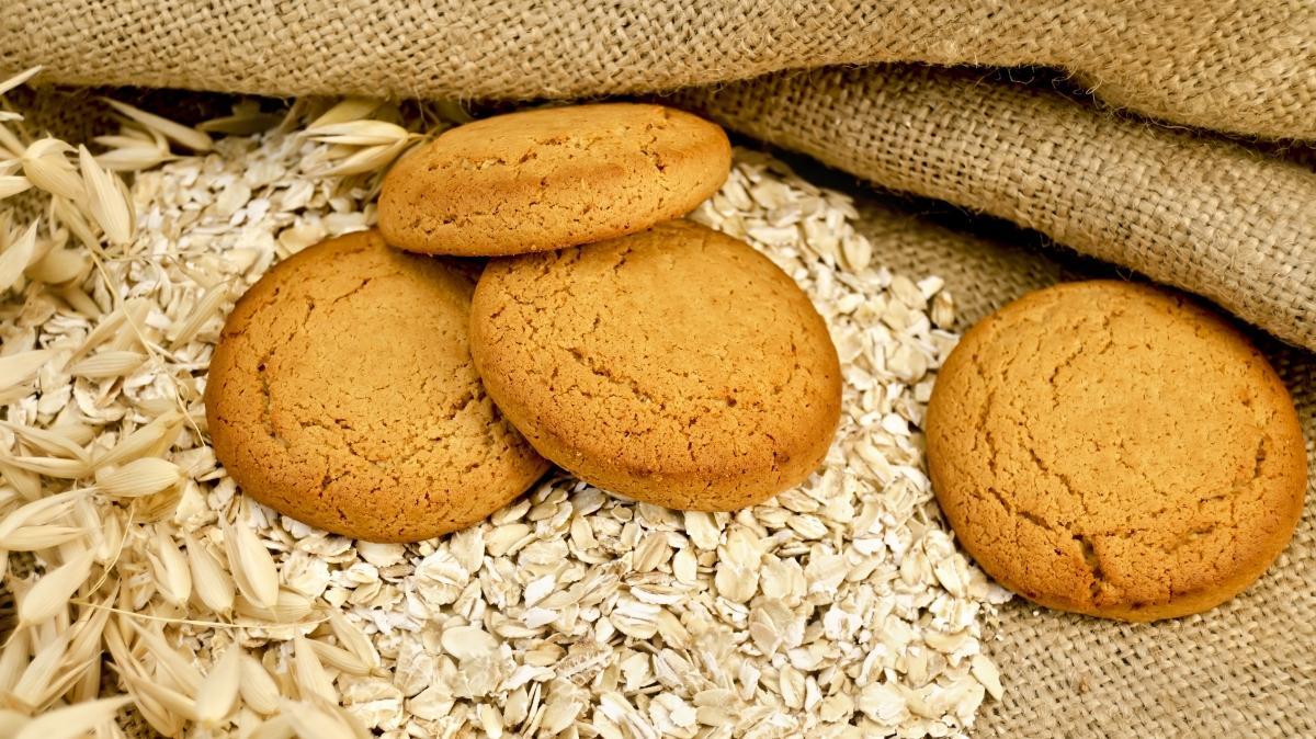 5 çayına iyi giden yulaflı kurabiye tarifi