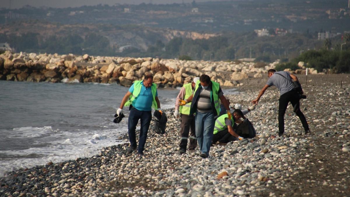 Suriye kaynaklı petrol sızıntısında temizlik çalışmaları sürüyor