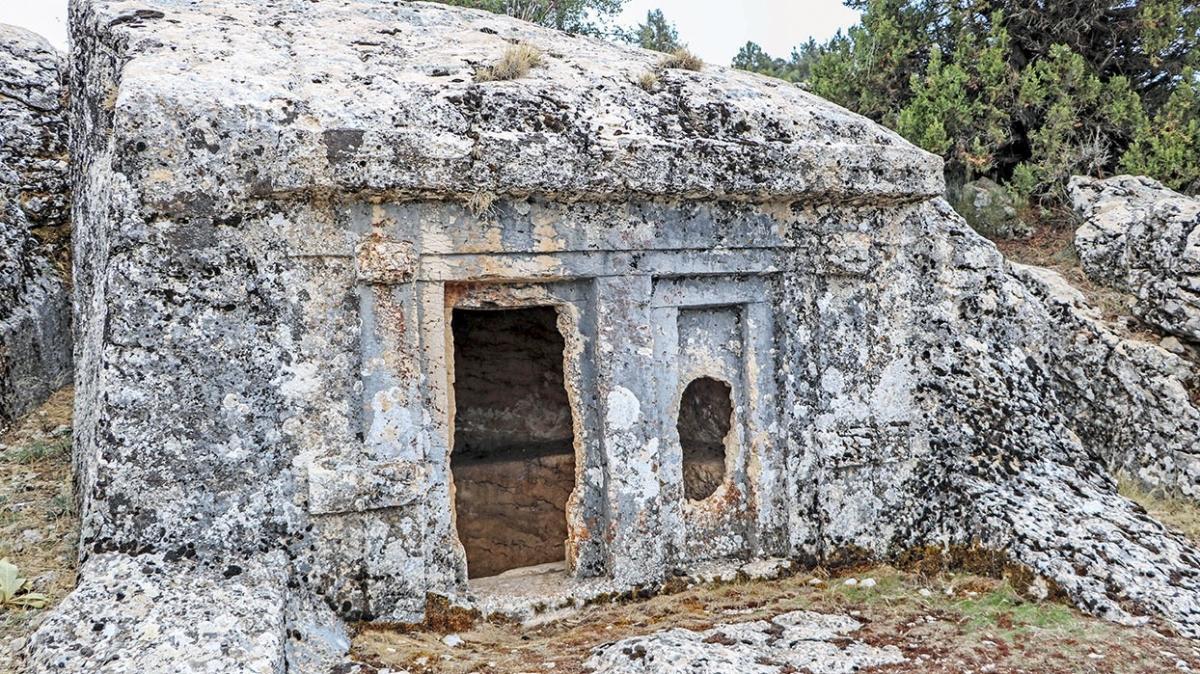 2500 yıllık tarihe vandal dinamiti