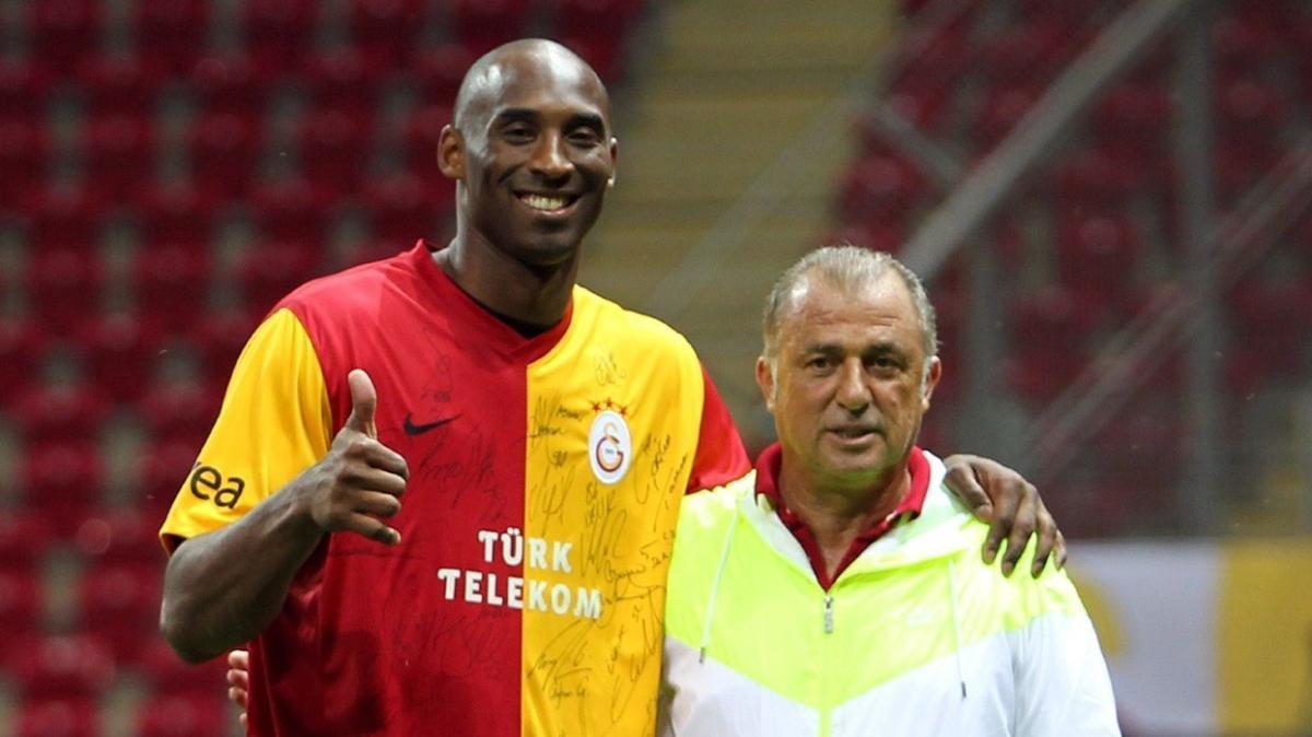 Kobe Bryant imzalı Galatasaray formasına çılgın rakam