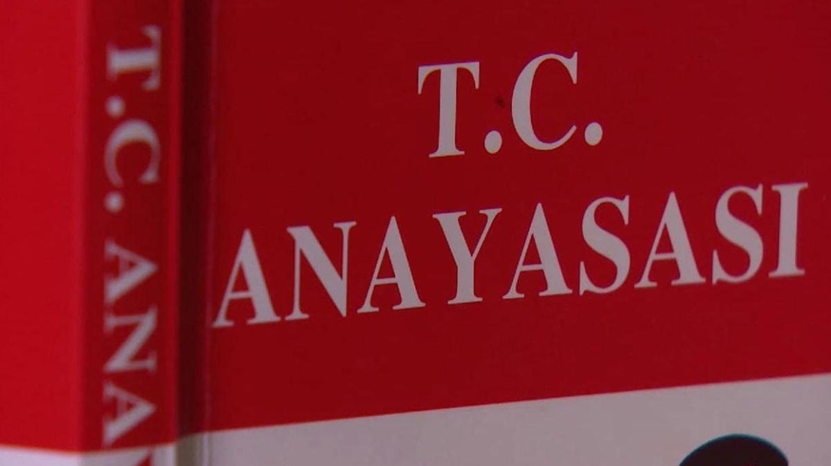 """Anayasa'nın ilk 4 maddesinde ne yazıyor"""" Anayasa'nın ilk 4 maddesi nedir"""""""